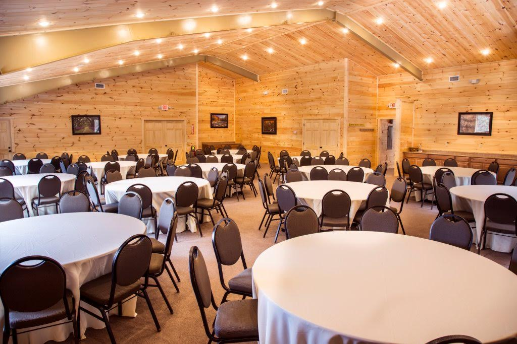 Parkside-Resort-Banquet-Room-05